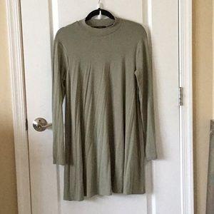 BRAND NEW: Forever 21 long sleeve green dress